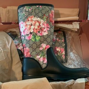 Brand New!! Gucci Rain boots with floral pattern!